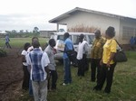 Arrival of the team in Government primary school Bomaka: cliquer pour aggrandir