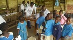 Pupils of GPS of Molyko during blood collection: cliquer pour aggrandir