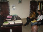 Meeting with District Officer: cliquer pour aggrandir